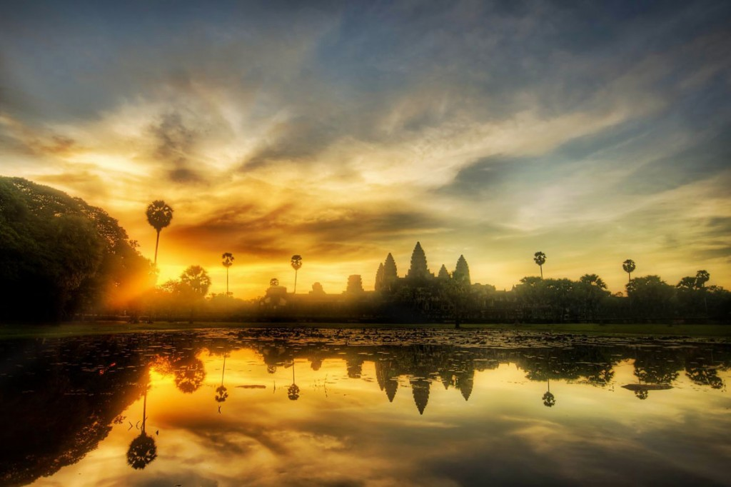 Best attraction in Cambodia Vietnam Laos Myanmar tour: Angkor Wat