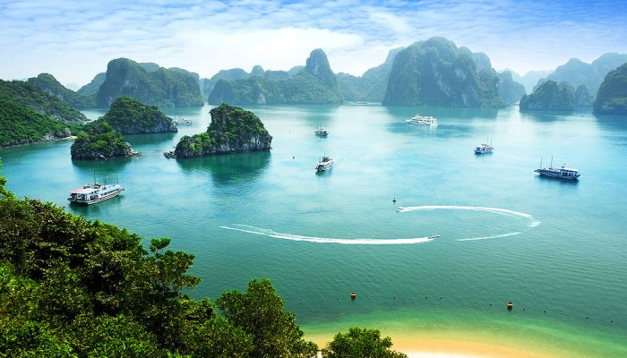 Halong bay (Vietnam tour packages)